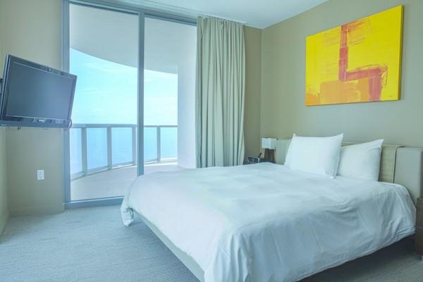 2301 Master Bedroom 2