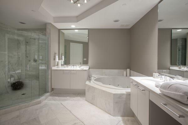 Bellini Williams Island Bathroom
