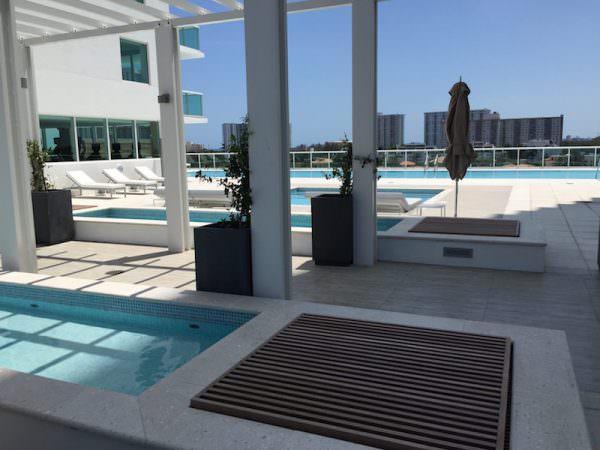 400 Sunny Isles Pool 2