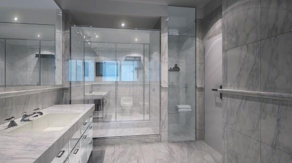 Chateau Beach Bathroom 2
