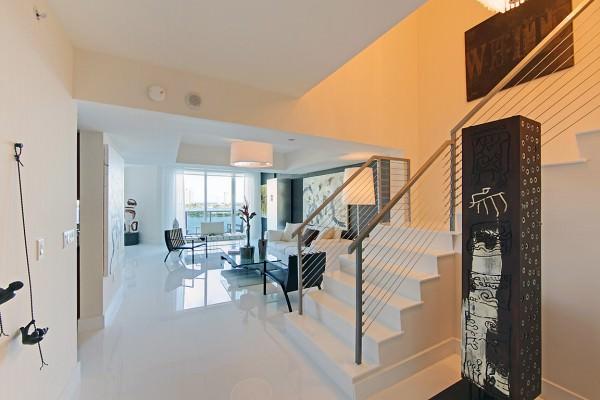Peninsula 2 Foyer