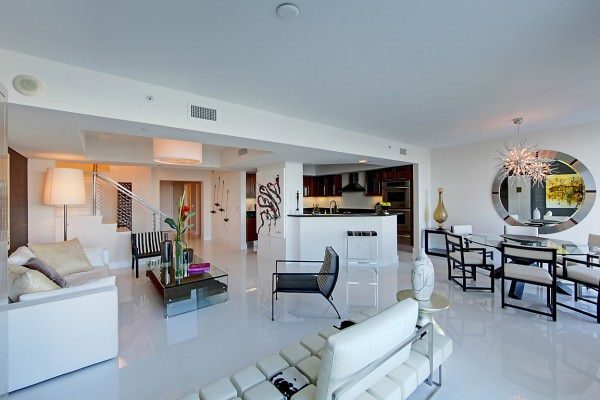 Peninsula 2 Living room