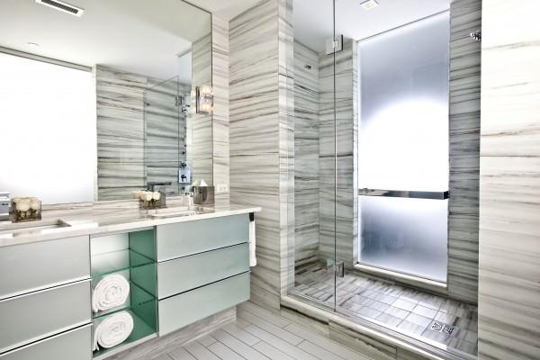 W South Beach Studio Bathroom 2