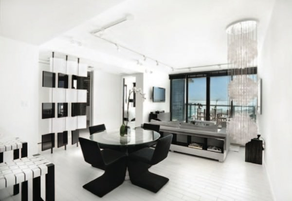 W South Beach Studio -Living Room