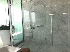 Grove at Grand Bay M Bathroom
