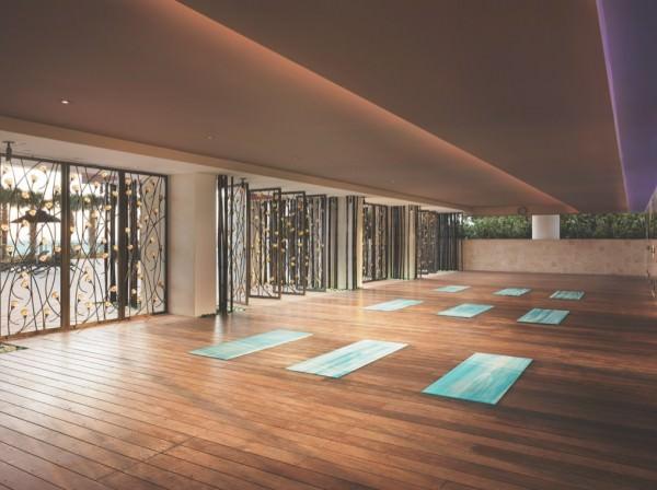 Carillon Hotel Residences yoga