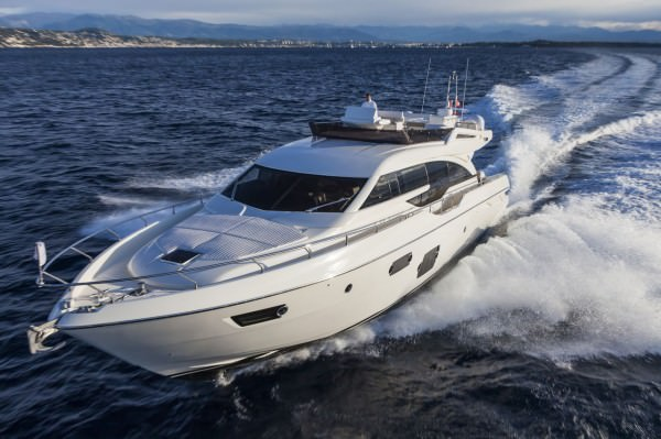 Ferretti 690 is characterized by the new design of outer sporty lines, with a continuous glazing from stern to bow, with increased height, reaching the gunwale. Large windows lighting up the VIP fore cabin and the guest cabins have been added to the large open view glazing where the Owner cabin is located.