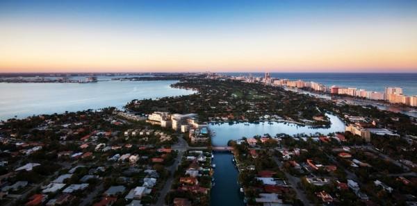 Ritz Carlton Miami Beach Building North View