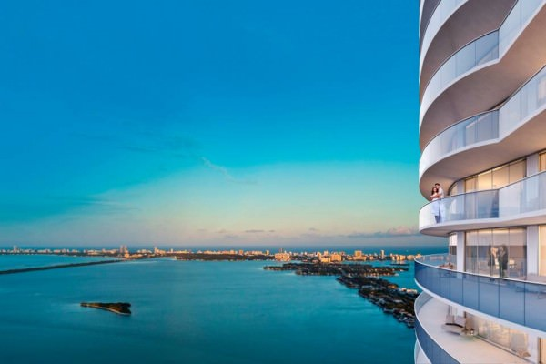 Aria Miami Balcony East