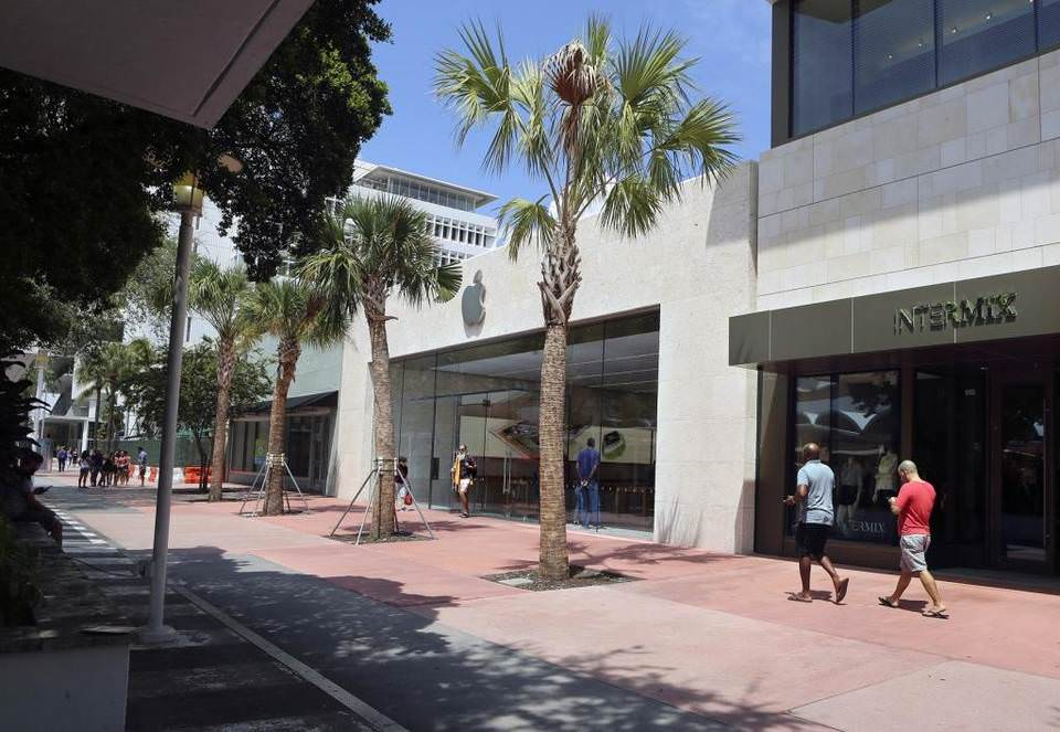Lincoln Road 905 Block View M