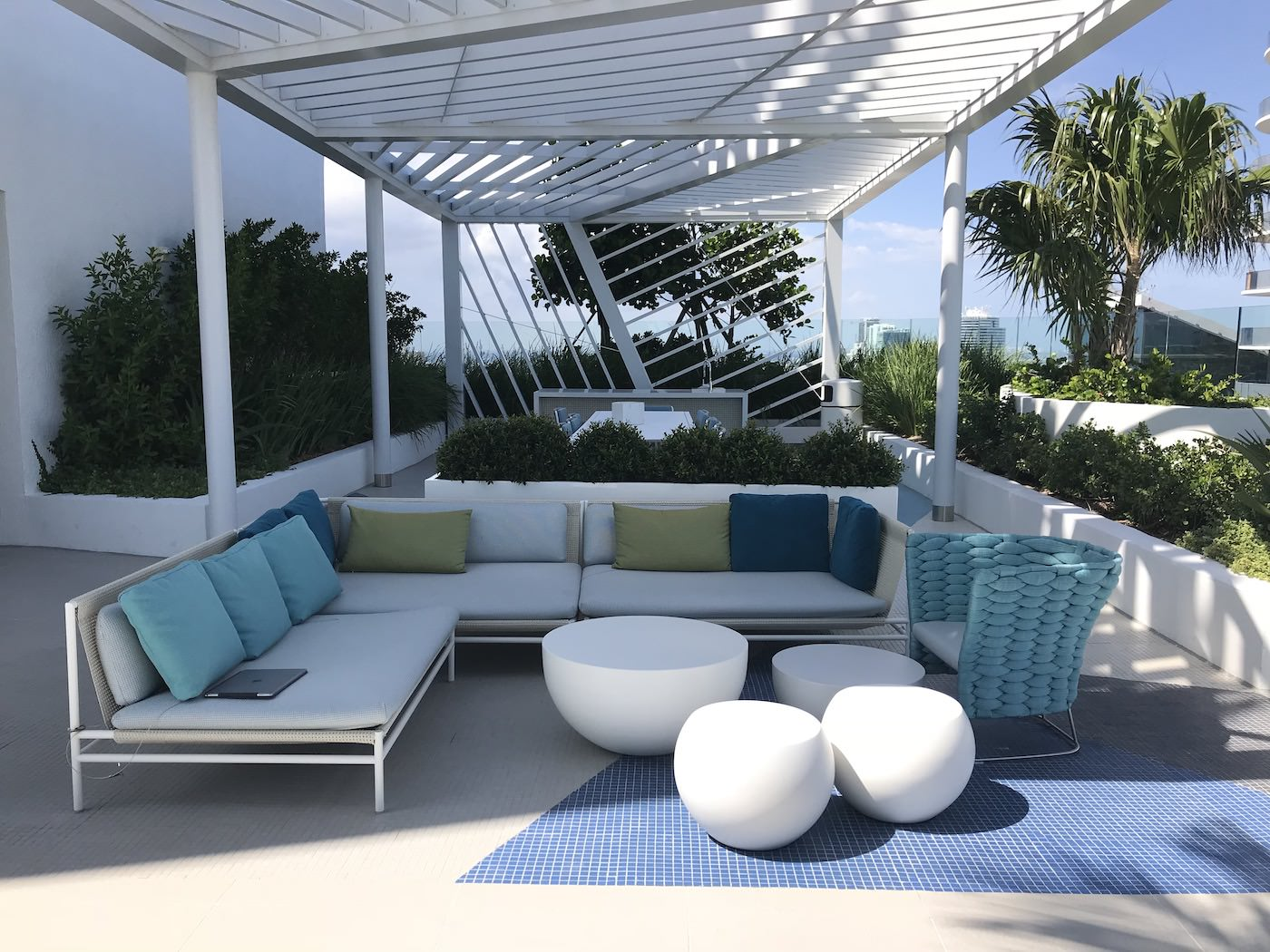 Rooftop lounge and summer kitchen