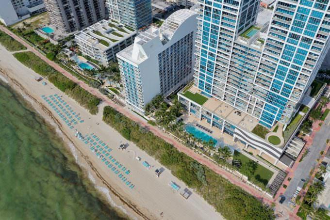 Carillon Miami Beach East Pool