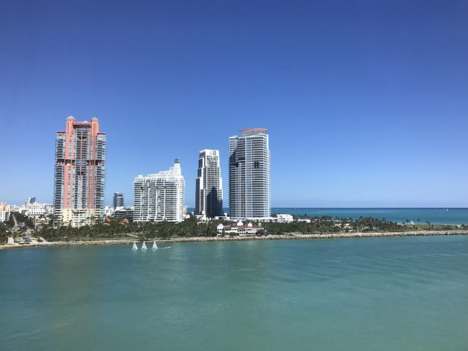 South Pointe Park, Continuum and South Pointe Towers